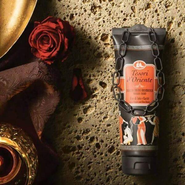 Sữa tắm nước hoa Hoa Sen Tesori D'Oriente 250ml 1